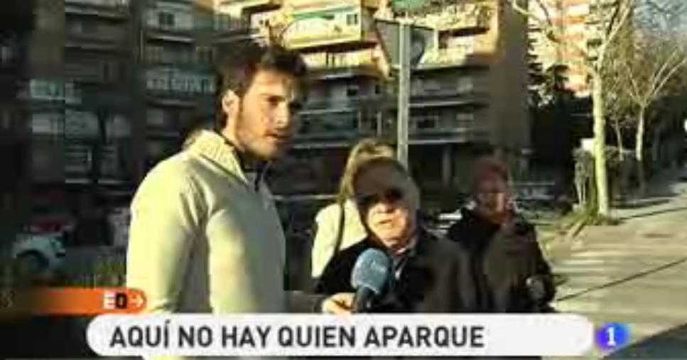 Reportaje en España Directo sobre los problemas de aparcamiento del barrio, en el que colaboran varios integrantes de la AAVV Virgen del Cortijo.