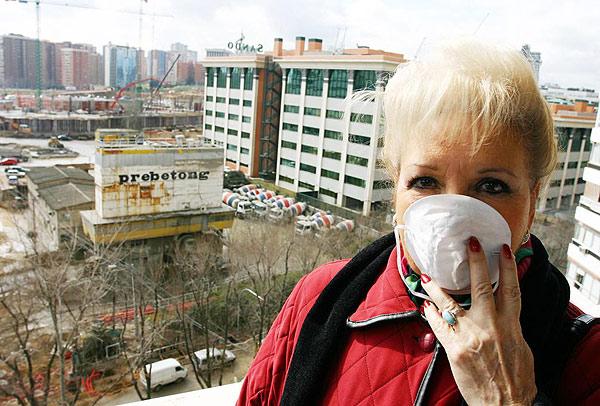 Fotografía del reportaje publicado por el periódico 20 minutos el 23 de febrero de 2007